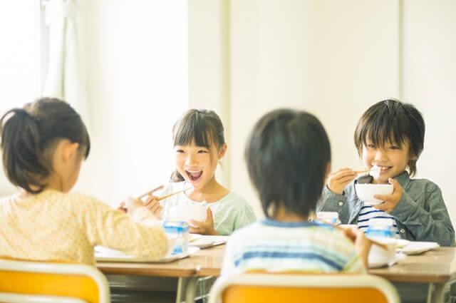 あおもり「ごはんの日」本県における米飯学校給食の実施状況