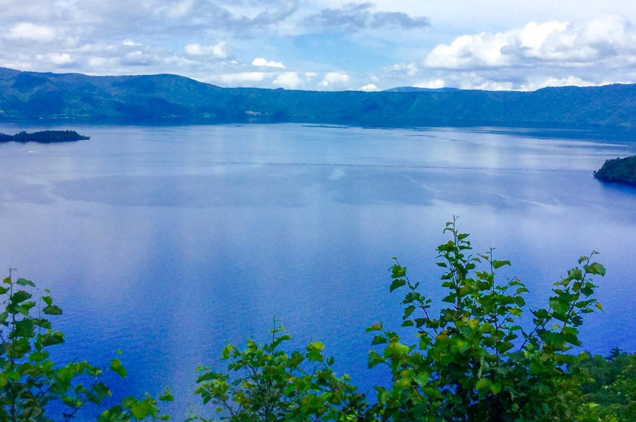 大地が育む「あおもり米」:水の恵み。美しい天然の水瓶 十和田湖